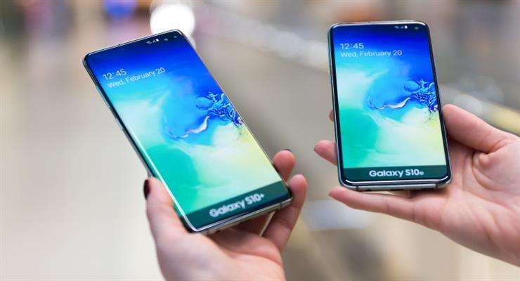 У Росії заборонили продаж 61 моделі смартфонів Samsung
