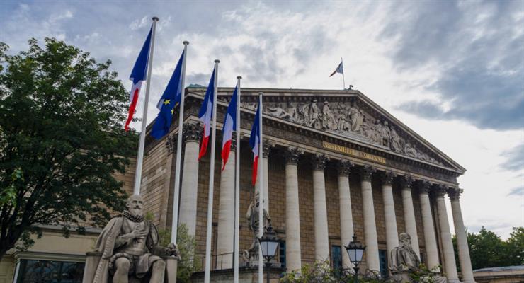 Франція виплатить по 100 євро малозабезпеченим громадянам