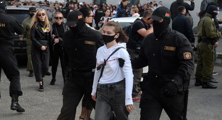 Білорусь позбавляє жінок багатьох прав та свобод