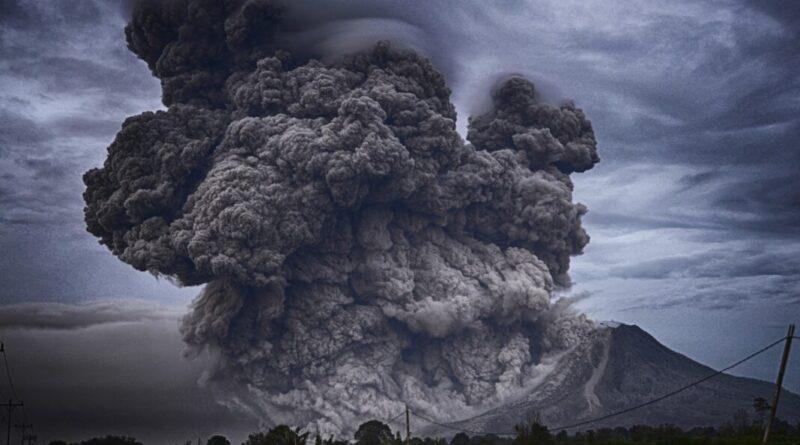 Рейси на Ла-Пальму знову скасовані через вулканічну хмару